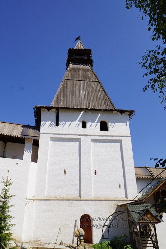 Оружейная башня, Свято-Пафнутиев Боровский монастырь