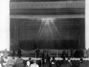 Опыты  с пожарным оборудованием по тушению пожара на сцене Нового зала Народного дома императора Николая II.