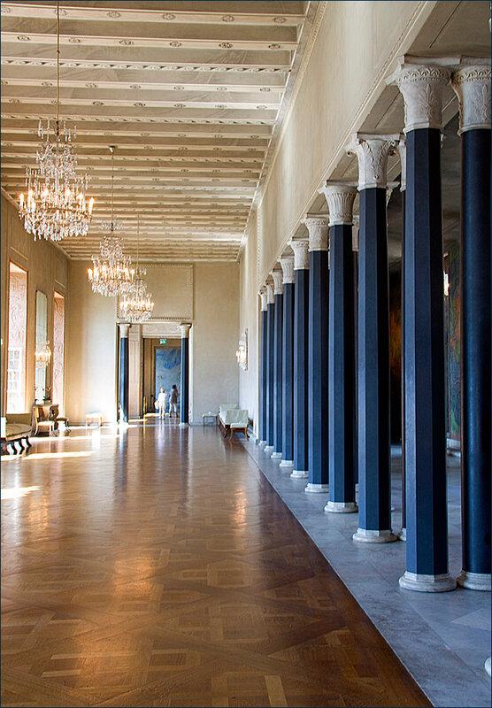 Бальный зал ратуши.