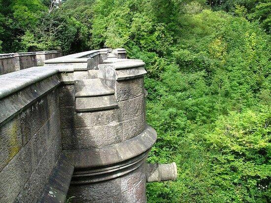 В Шотландии есть мост собак-самоубийц