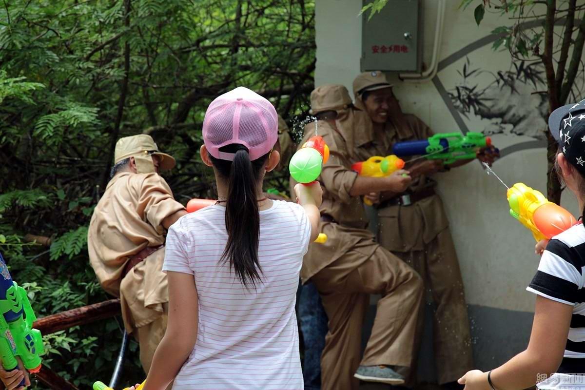 Крутые стрелялки: Китайский агротуризм с развлекательно-патриотическим уклоном (3)