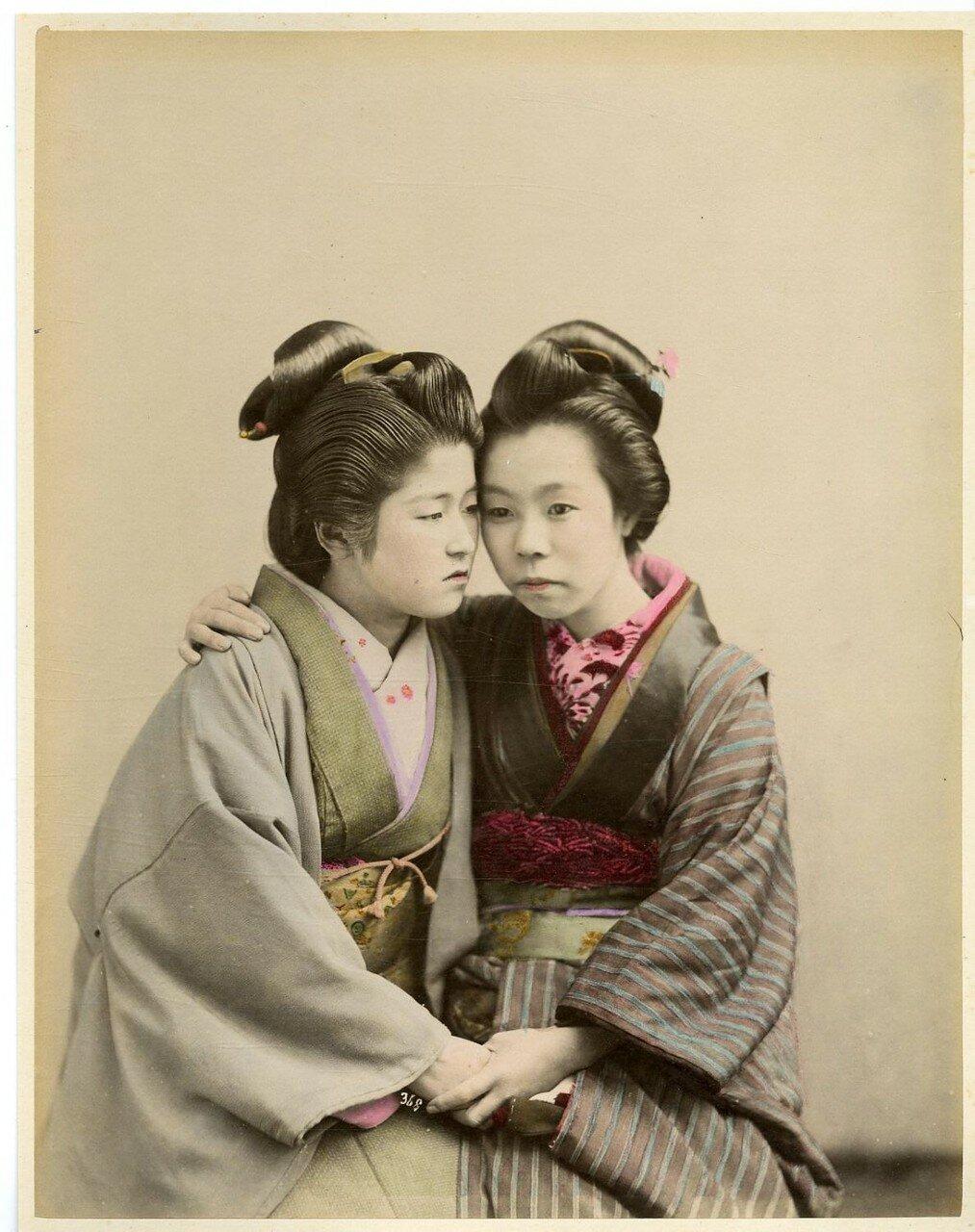 Японки в традиционной одежде
