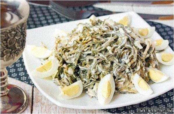 Салат из морской капусты с яйцами (рецепт)