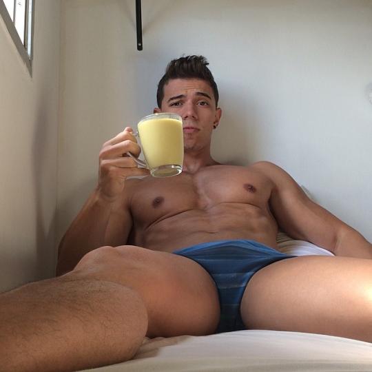 голый коктейль
