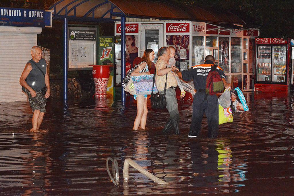 Фоторепортаж: Потоп в Ростове-на-Дону, 30 июня 2016