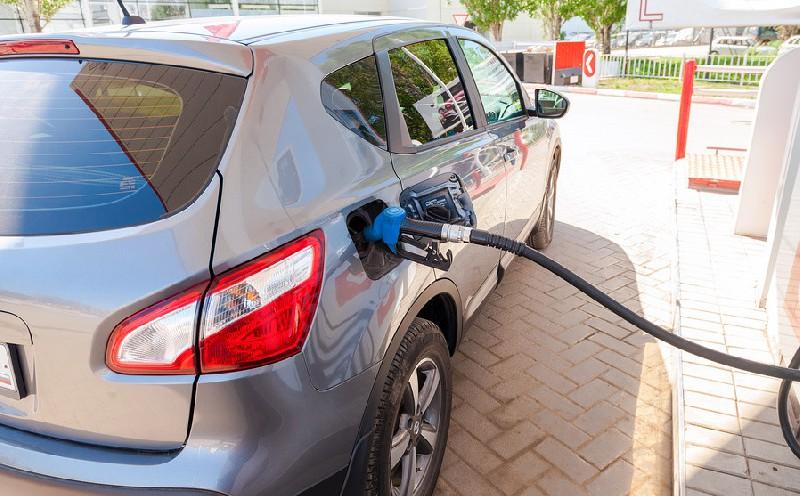 В России предпринимается очередная попытка полностью заменить налог акцизами на топливо.Документ бы