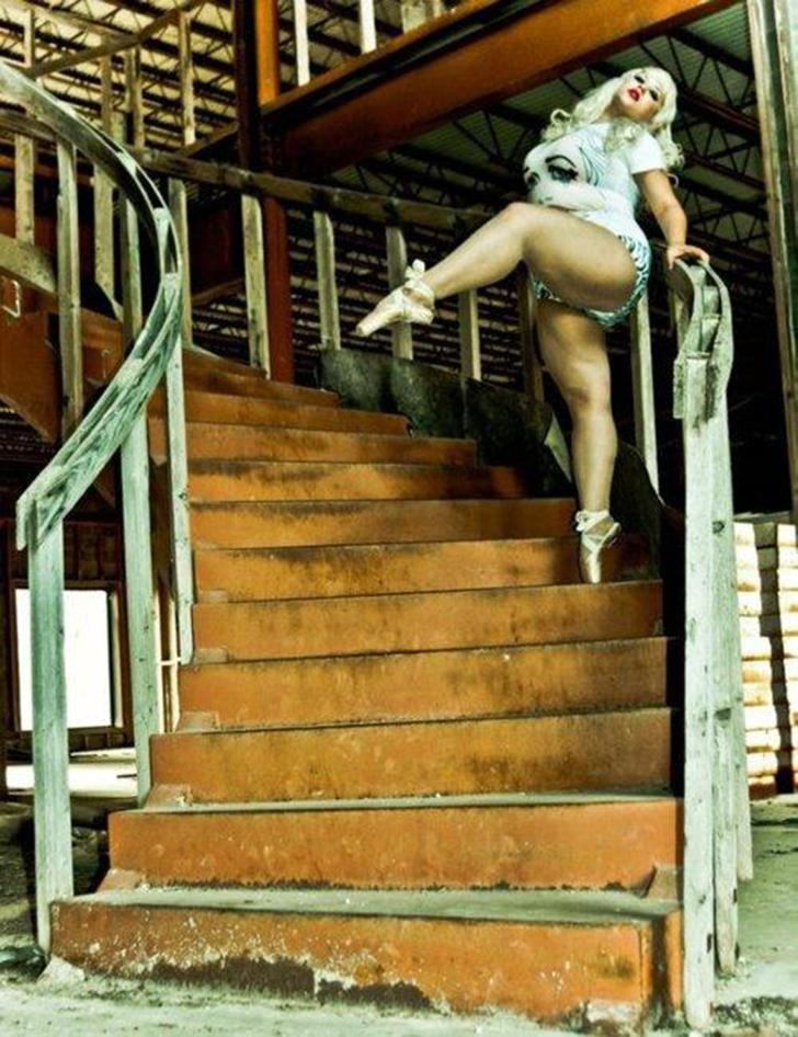 Некоторые друзья детства, которые также занимались балетом, стали преподавателями, и Фростина решила