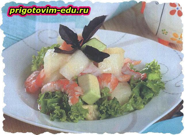 Салат с креветками и фруктами