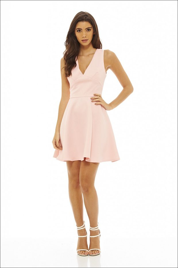 V neck skater dress Feeling light and airy is a necessity in some weather conditions, and there's no
