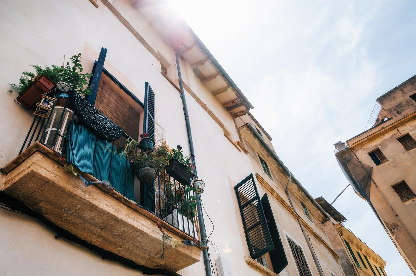 У каждого жителя свой взгляд на оформление балкона, Пальма де Майорка
