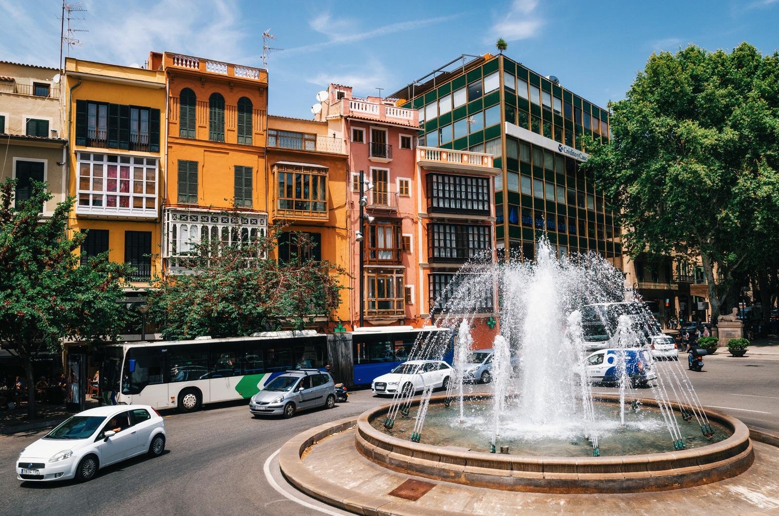 Площадь де ла Рейна, Пальма де Майорка