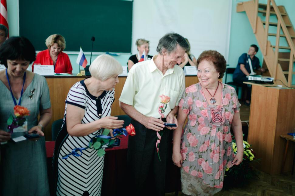 IMG_6987(1) Группа сотрудникоов музея-заповедика во время нагрждения  памятной медалью За верность делу.jpg