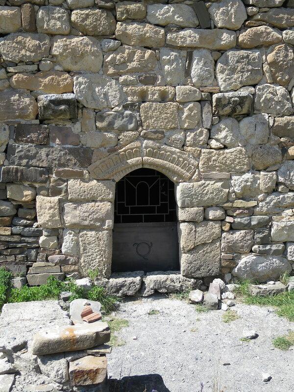 Вход в храм с южной стороны, Тхаба-Ерды