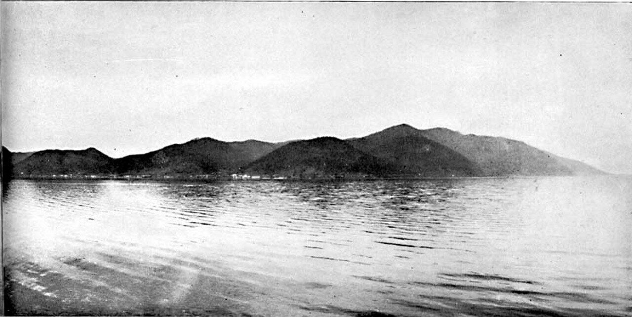 88. Пересекаем озеро Байкал (вид слева)