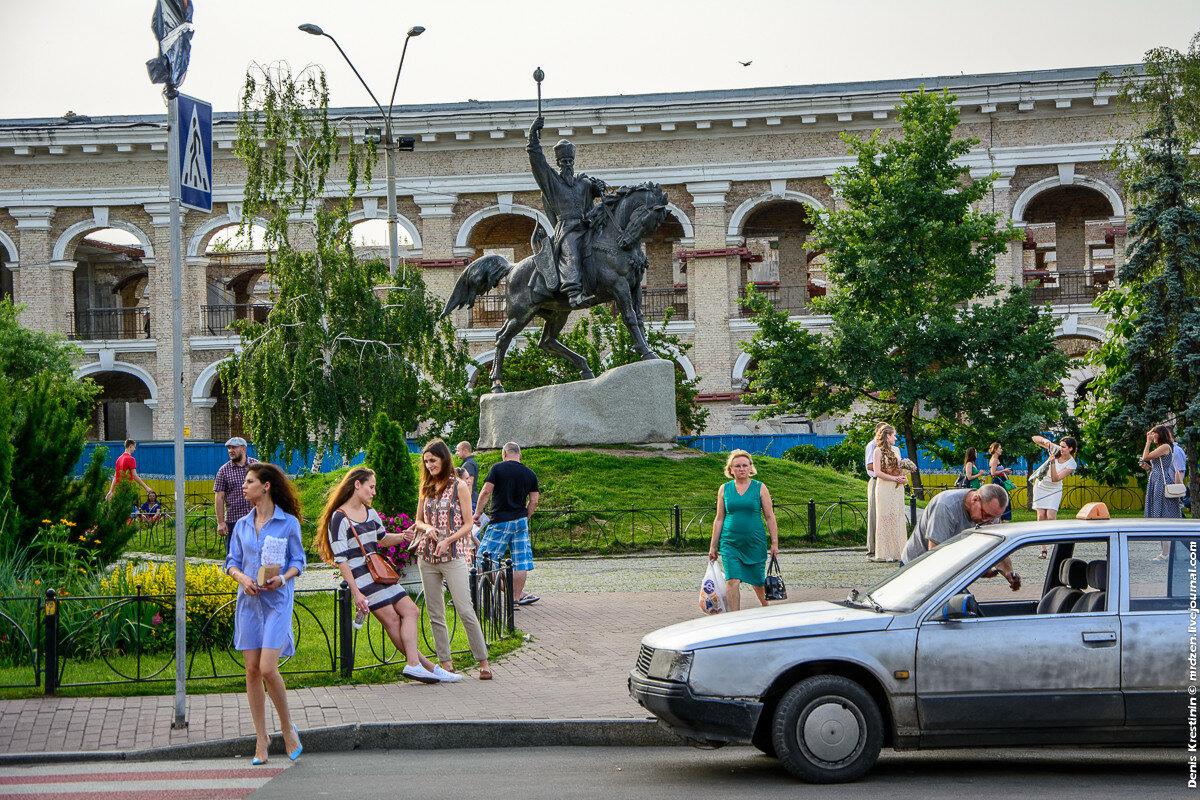 Киев, Подол, Контрактовая площадь