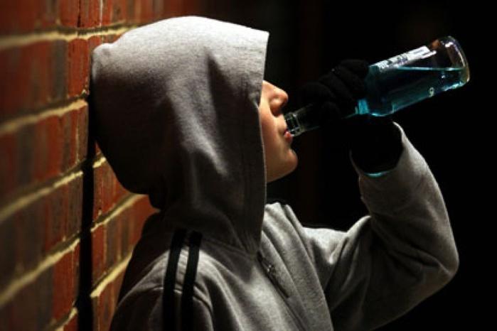 Британские ученые нашли безвредный алкоголь для подростков
