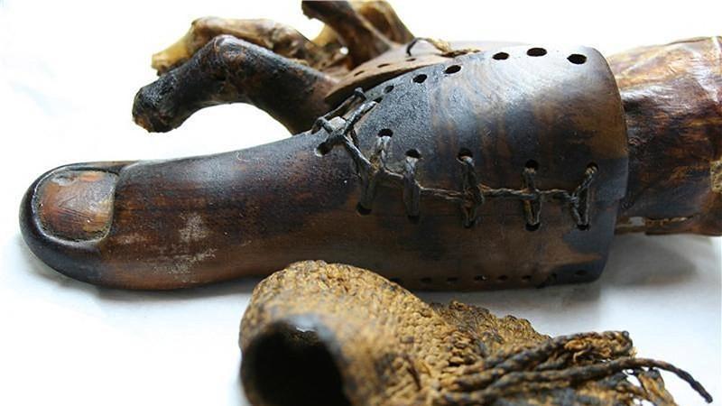 Этот 3000-летний протез использовался, чтобы помочь людям в Египте снова ходить. Тесты подтвердили,