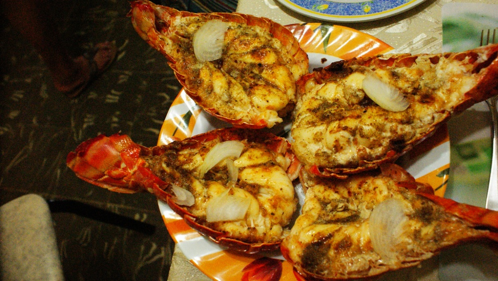 Аппетитные лобстеры для любителей морепродуктов.