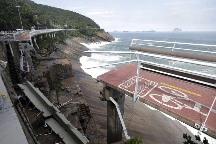 В Рио-де-Жанейро рухнула велодорожка, построенная к Олимпиаде
