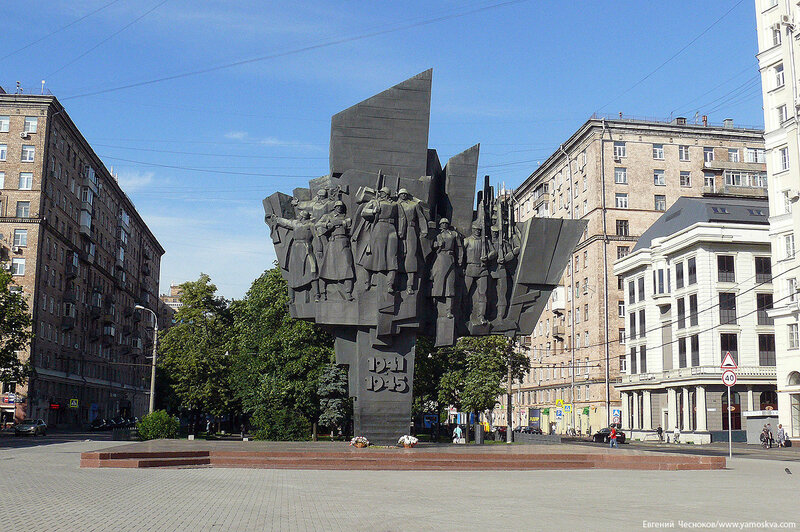 15. Автозаводская ул. 1941 1945. 26.06.16.02..jpg