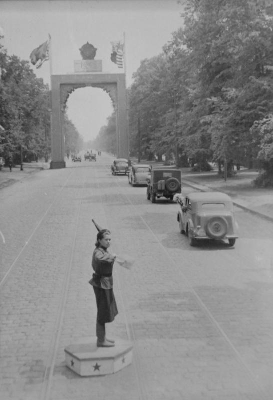 На улице Берлина. 05.45.jpg