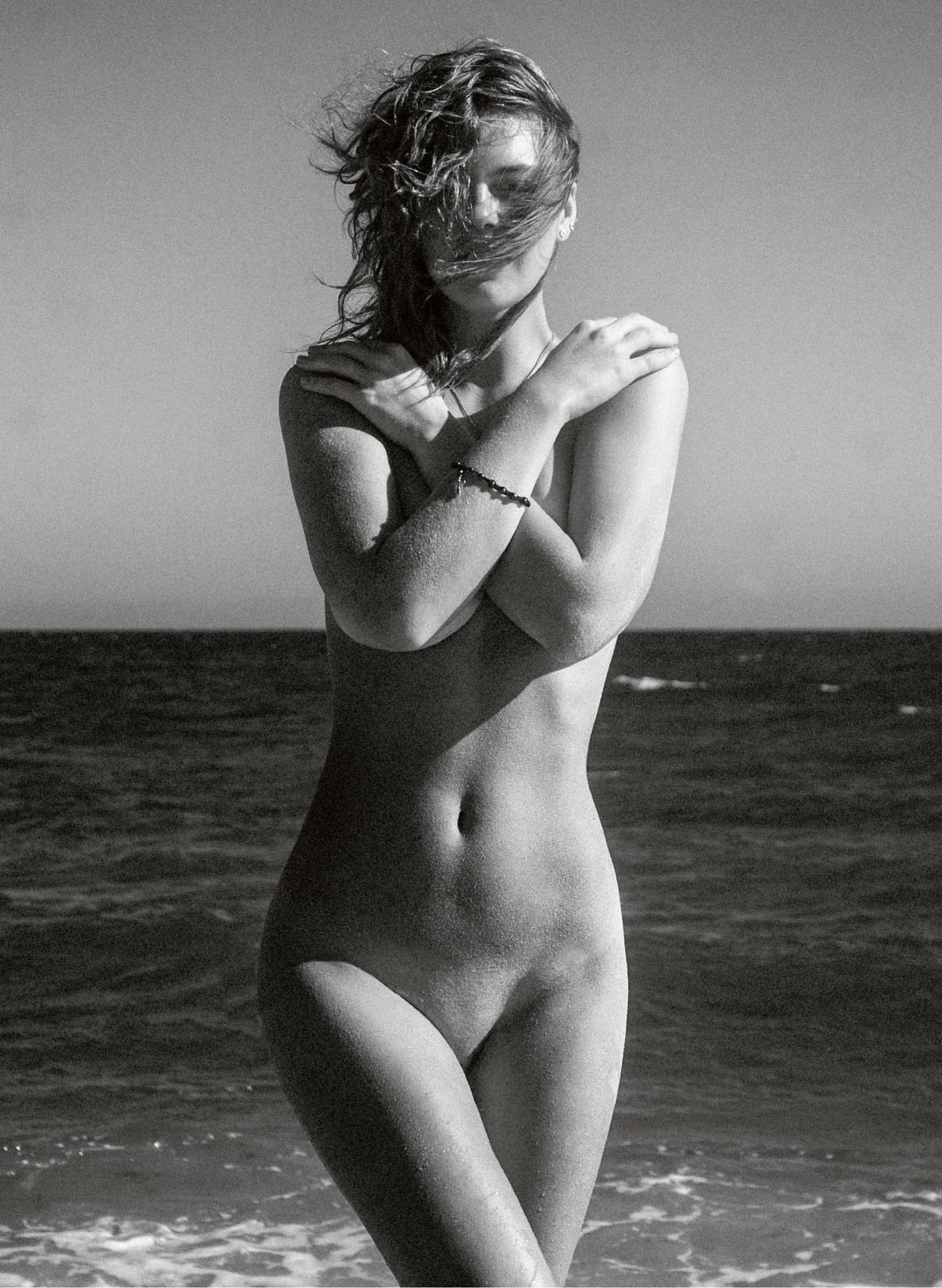 голая Виктория Липатова / Viktoria Lipatova nude by Orlando Goncalves - Insomnia Magazine Issue 01, April 2015