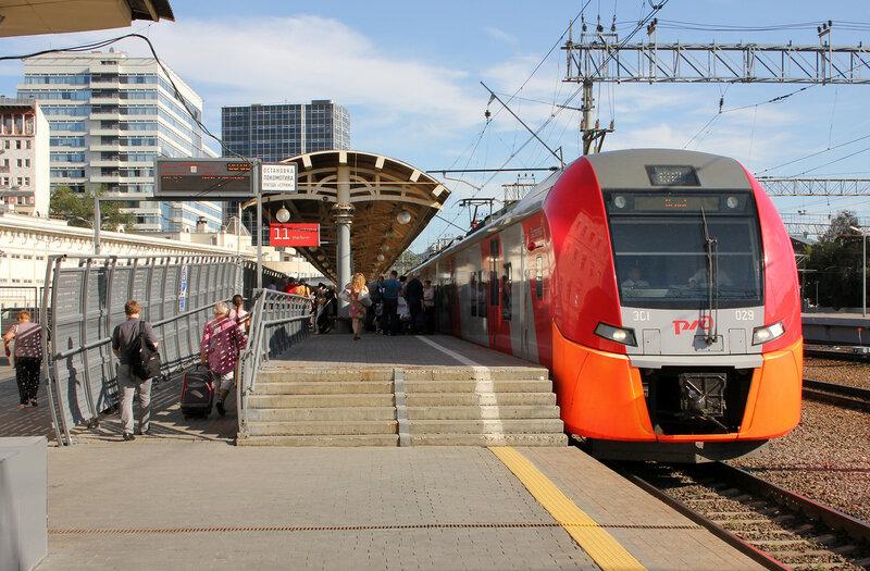 ЭС1-029 рейсом Москва Курская - Орёл на Курском вокзале Москвы