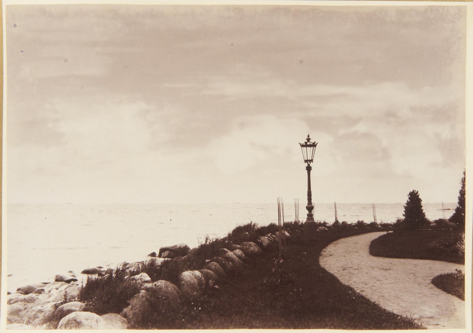 1893. Берег Финского залива у Нижней дачи