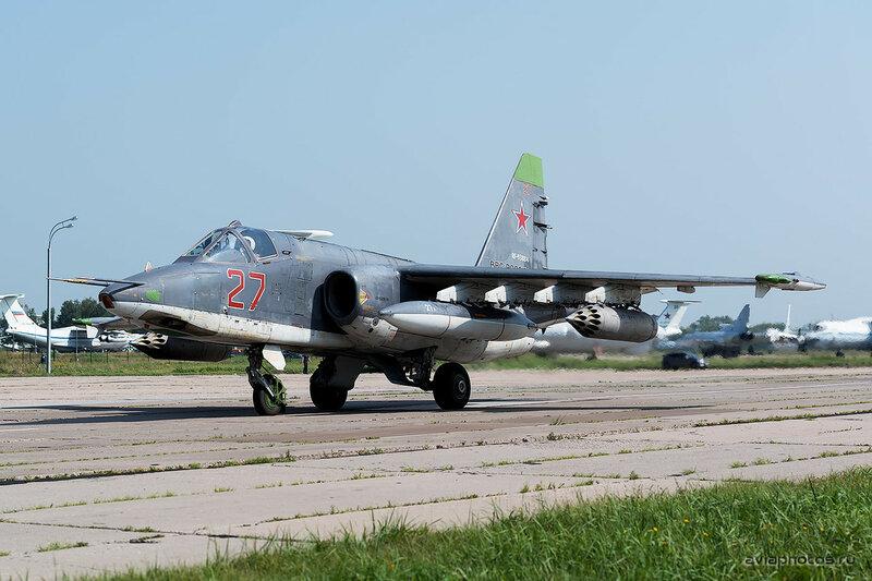 Сухой Су-25СМ (RF-93884 / 27 красный) ВКС России 0100_D805499