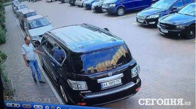 Мужчину и женщину похитили из автомобиля в Киеве. ФОТОрепортаж