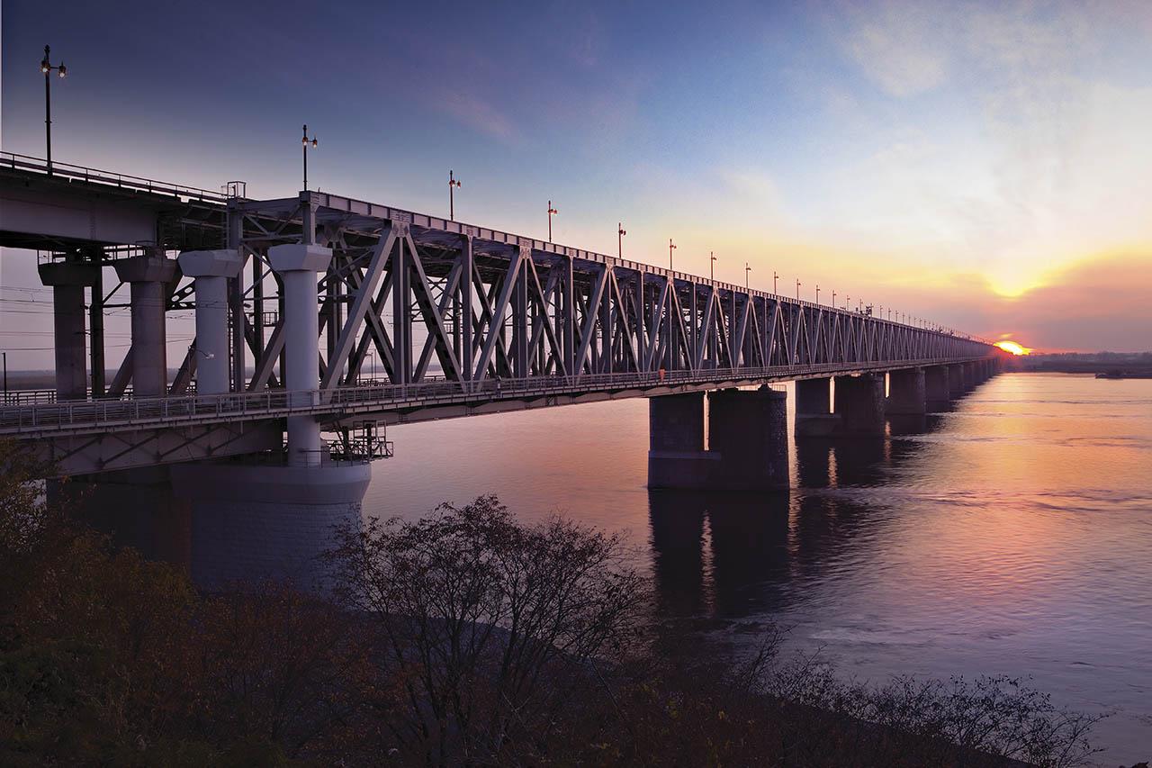 мост через амур хабаровск фото тех пор