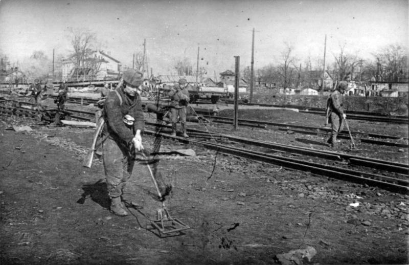 Разминирование железнодорожного полотна в Виннице