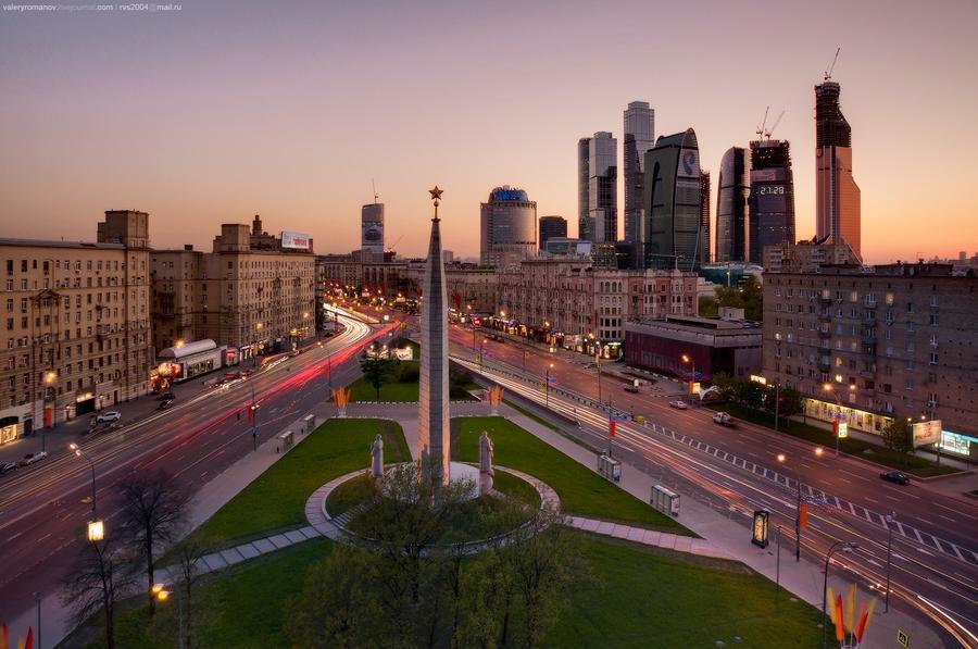4. Площадь Дорогомиловская Застава, Москва. Май 2012