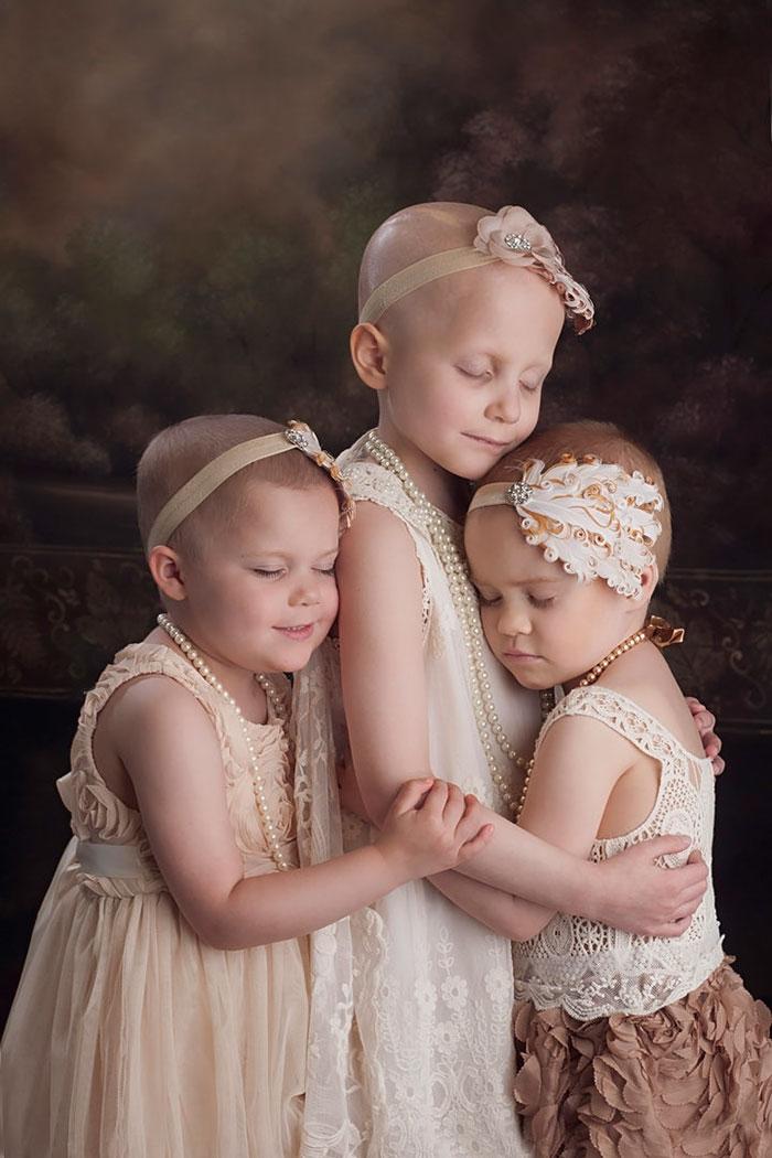 3-летняя Райли, 6-летняя Реанн и 4-летняя Эйнсли не были знакомы, но после съемки стали подружками.