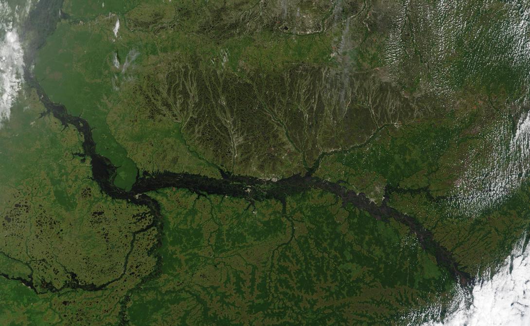 Парана — 4 880 километров Восьмая самая длинная в мире река отделяет Парагвай от Бразилии