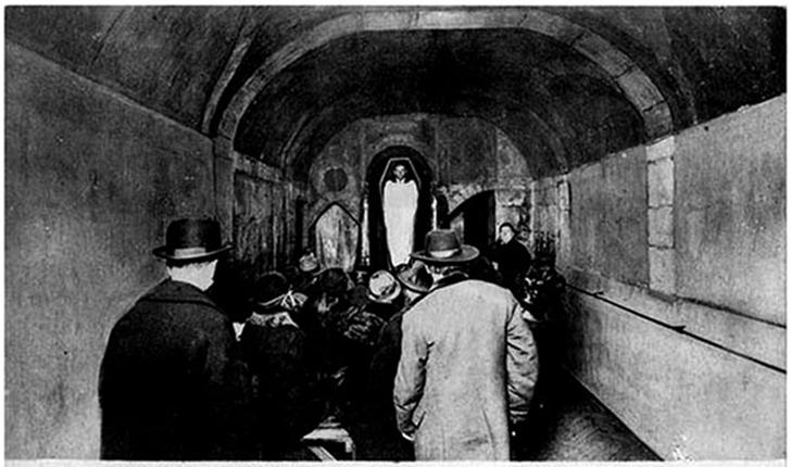 Жуткие парижские клубы, в которых зажигали до того, как это стало мейнстримом