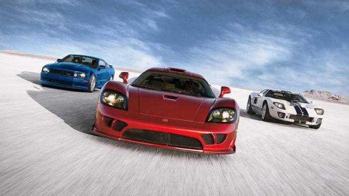 Vector W8 Twin Turbo История американских суперкаров начинается как раз с Vector. Компания была осно