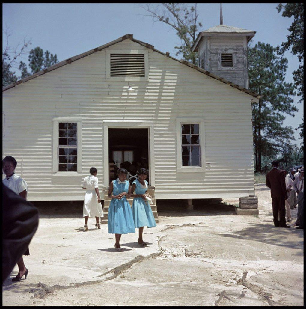 2 июля 1964 года президент США Линдон Джонсон принял закон о гражданских правах, поставивший сегрега