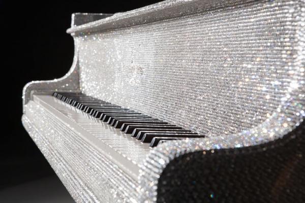 Бриллиантовый рояль (6 фото)
