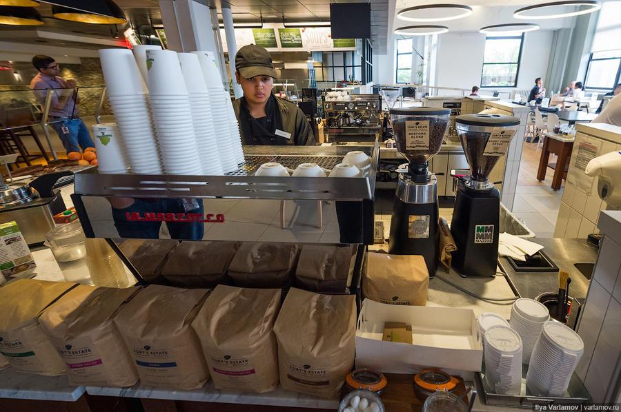 28. Кофе готовят как в очень хорошей кофейне.
