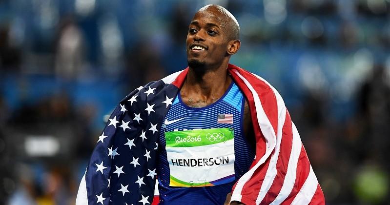 Житель америки Джефф Хендерсон первенствовал впрыжках вдлину наОлимпиаде