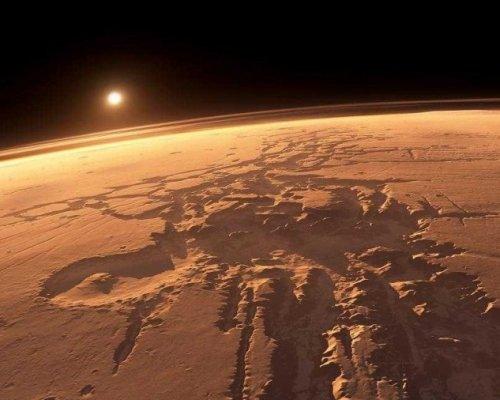 Ученые обнаружили наМарсе ледники