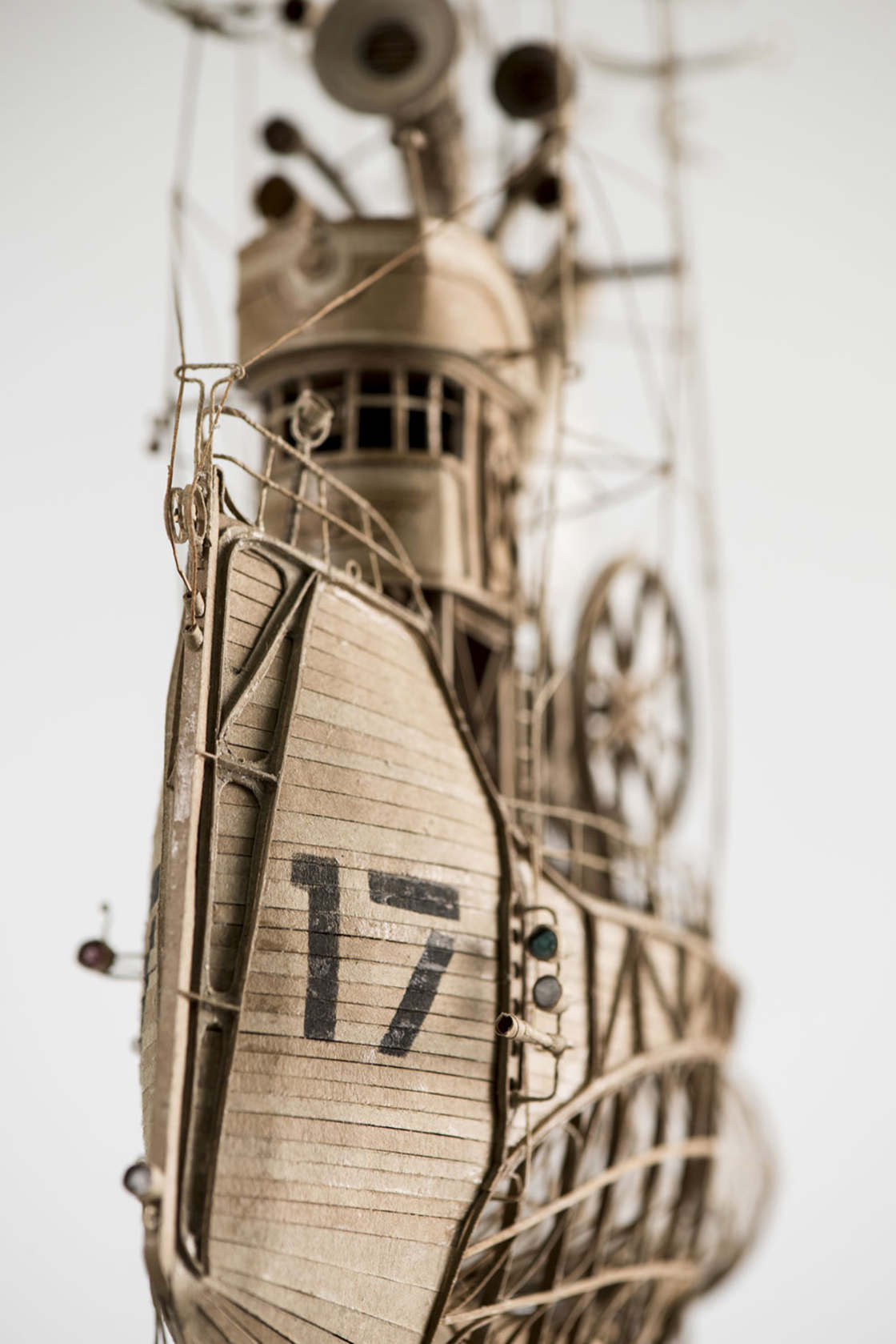 The incredible cardboard airships of Jeroen van Kesteren
