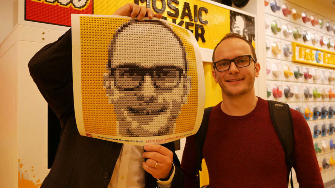 Mosaic Maker - The photobooth that creates your portrait in LEGO