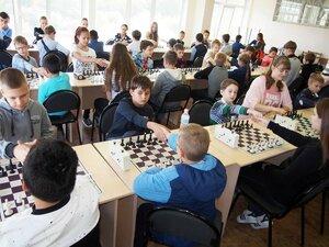 турнир по шахматам среди школьников Владивостока-2016.jpg