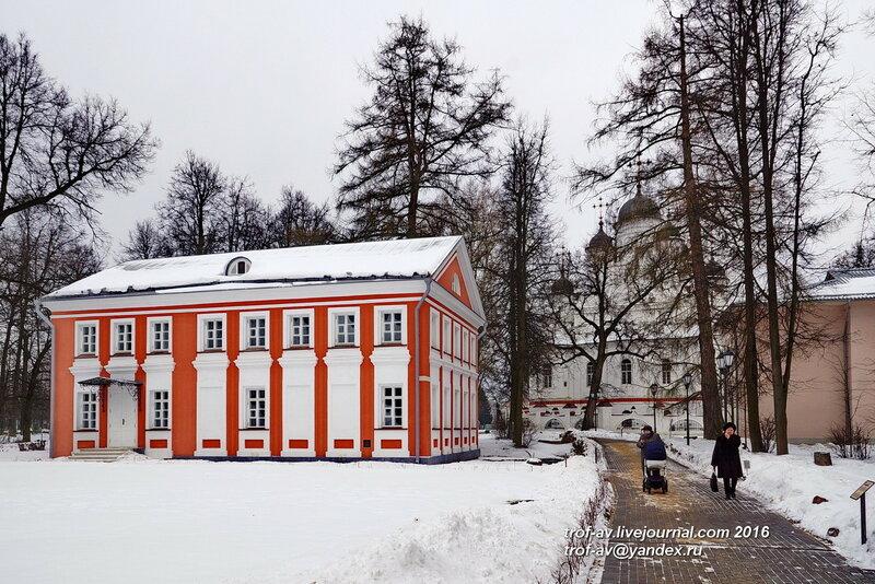 Западный флигель, Усадьба Вяземы, музей-заповедник А.С.Пушкина