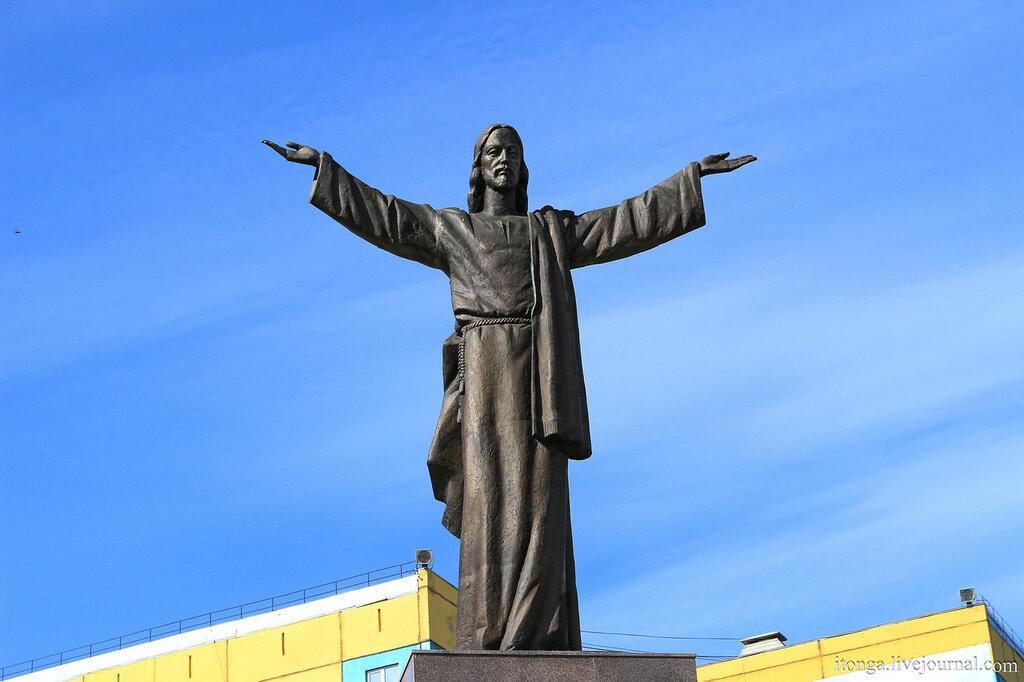 Памятник Иисусу Христу