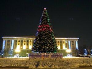 Новогодняя елка на площади в Великом Новгороде