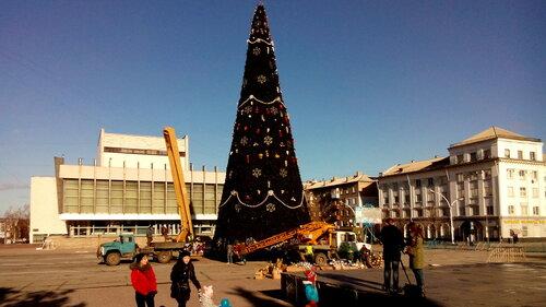 Луганск готовится к встрече нового года-3.jpg