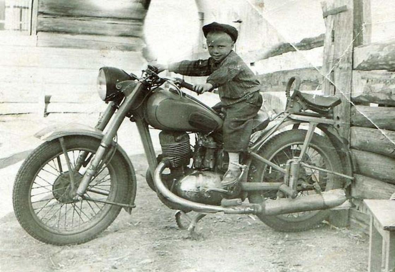 Мотоциклист. Даурск